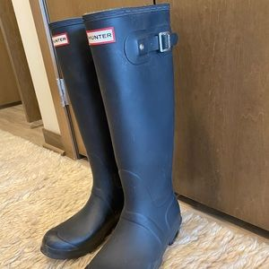 Hunter Rain Boots + winter liner inserts